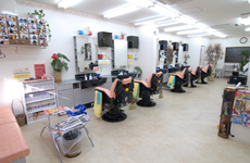 アットホームで清潔感のあるお店イメージ1